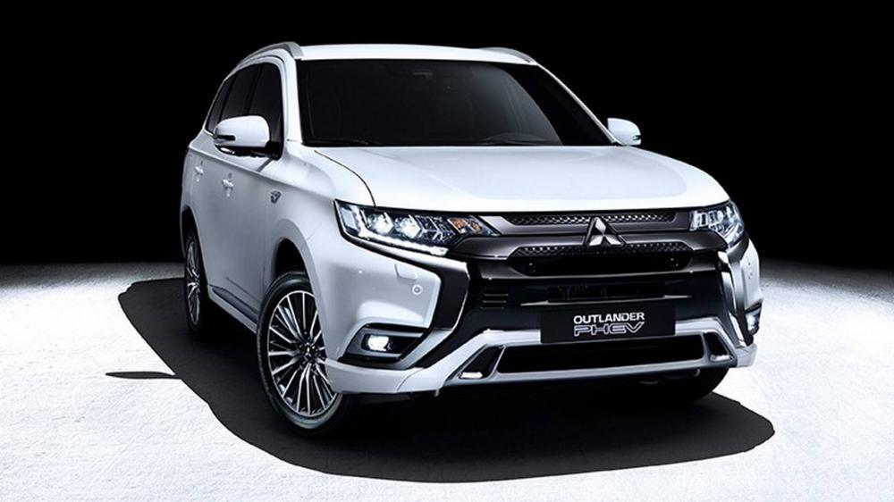 Mitsubishi Outlander PHEV 2019: Mạnh hơn và tiết kiệm nhiên liệu hơn